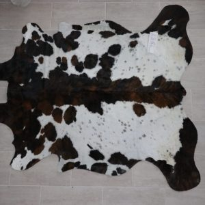 Natural Brazilian Cowhide 7'8″ x 8'2″