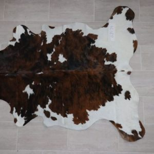 Natural Brazilian Cowhide 6'8″ x 7'4″